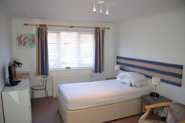 Guest Room 10 of Moniton Estate, West Ham Lane, Basingstoke RG22