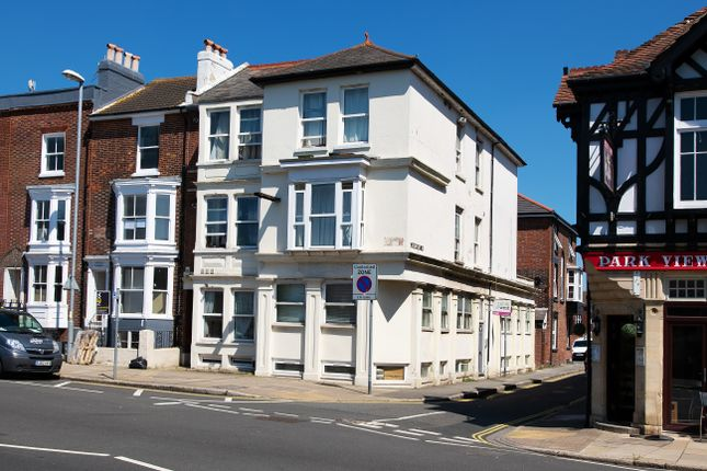 Thumbnail Flat to rent in Hampshire Terrace, Portsmouth