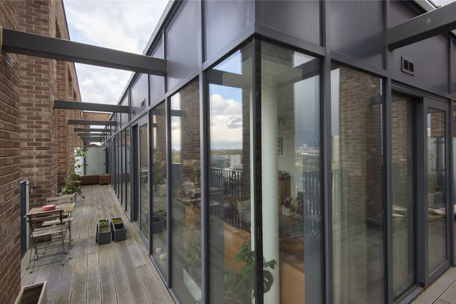 Thumbnail Flat to rent in Azure Building, Stratosphere, Stratford