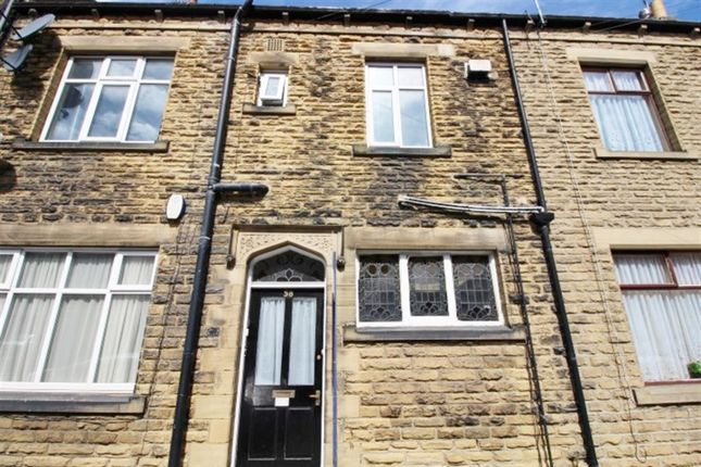 Thumbnail Flat to rent in Westover Road, Bramley