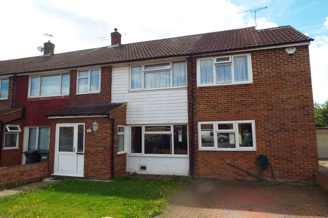 Thumbnail Detached house to rent in Cherry Avenue, Langley, Slough