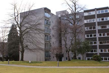 Thumbnail Flat to rent in Norwood Park, Bearsden