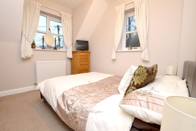 Picture No. 34 of September Cottage Selsley Road, North Woodchester, Stroud, Gloucestershire GL5