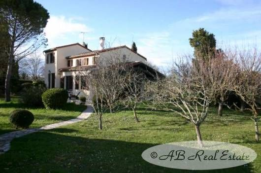 4 bed villa for sale in 11400 Castelnaudary, France