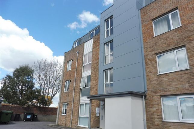 Thumbnail Flat to rent in Alexandra Road, Weymouth