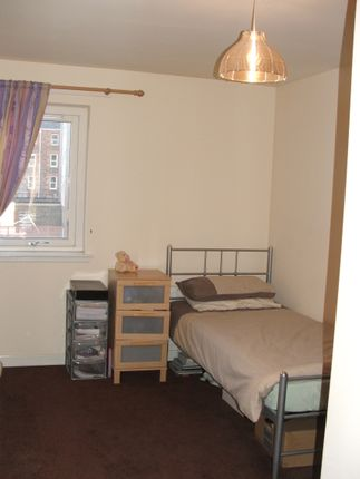 Thumbnail Flat to rent in Caledonian Road, Perth