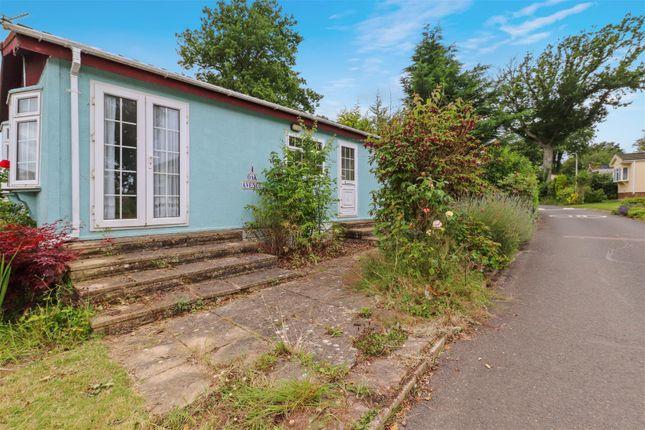 2 bed mobile/park home for sale in Oak Avenue, Deanland Wood Park, Golden Cross BN27