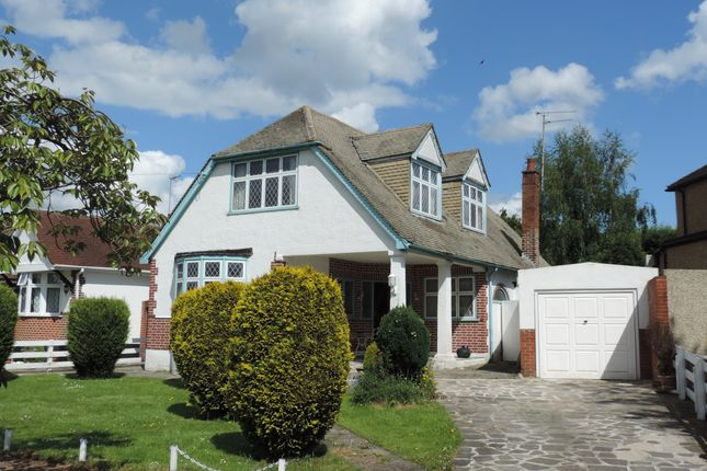 Thumbnail Detached house for sale in Brackendale, Potters Bar