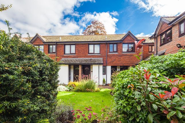 Thumbnail Flat for sale in 31 Waltham Court, Goring On Thames