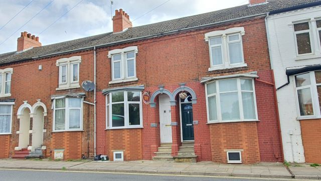 3 bed terraced house for sale in St Andrews Road, Semilong, Northampton NN1