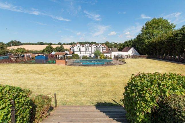 Picture No. 25 of Claverhambury Farm, Claverhambury Road, Waltham Abbey, Essex EN9