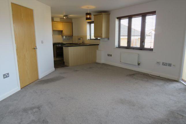 Thumbnail Flat to rent in Oakworth Avenue, Broughton, Milton Keynes