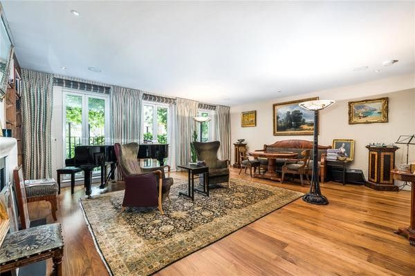 Thumbnail Property to rent in Cheyne Place, London