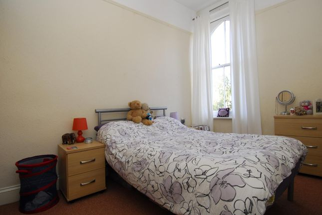 Thumbnail Flat to rent in Napier Terrace, Flat 2, Plymouth