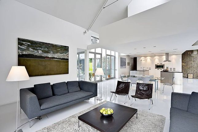 Thumbnail Flat for sale in Micawber Street, Islington