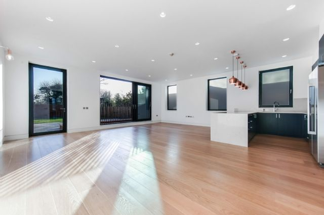 Thumbnail Flat to rent in Elm Avenue, Ealing, London