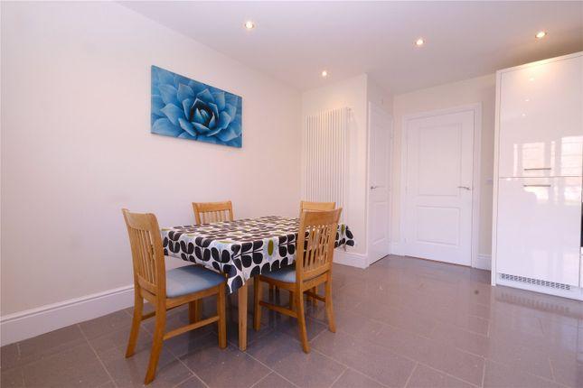 Picture No. 26 of Glover Close, Weldon, Ebbsfleet Valley, Swanscombe DA10