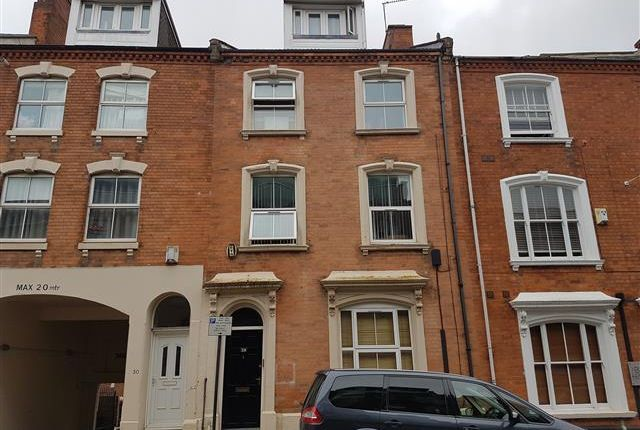 Flat To Rent In Hazelwood Road Northampton