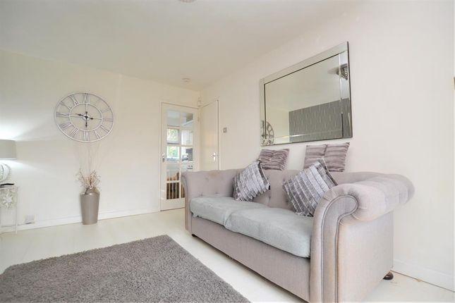 Livingroom of Kempton Grove, Cheltenham GL51