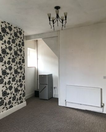 Thumbnail Terraced house to rent in Brook Lane, Oldham