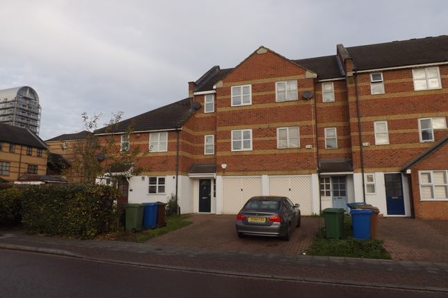 Thumbnail Room to rent in Plough Way, Surrey Quays, London