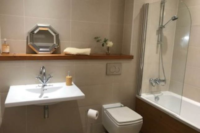 2 bed flat to rent in Albion House, 4 Hick Street, Bradford BD1
