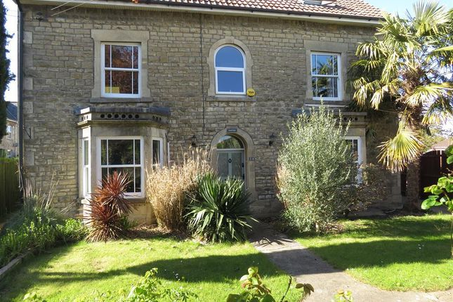5 bed property to rent in North Street, Calne SN11