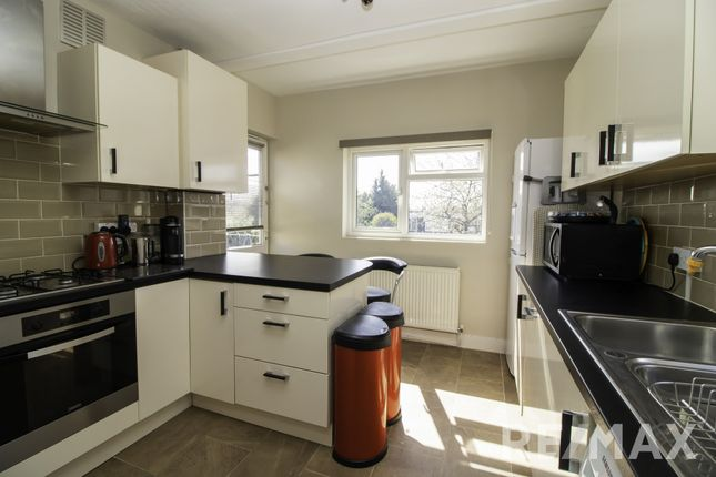 3 bed flat for sale in Westward Road, Chingford E4