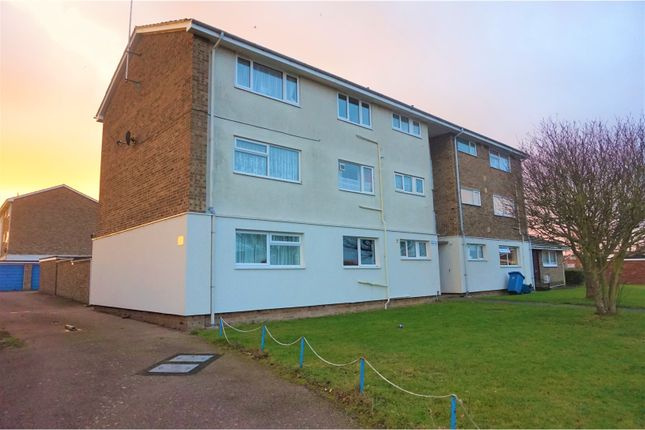 Thumbnail Flat for sale in Curlew Close, Clacton-On-Sea