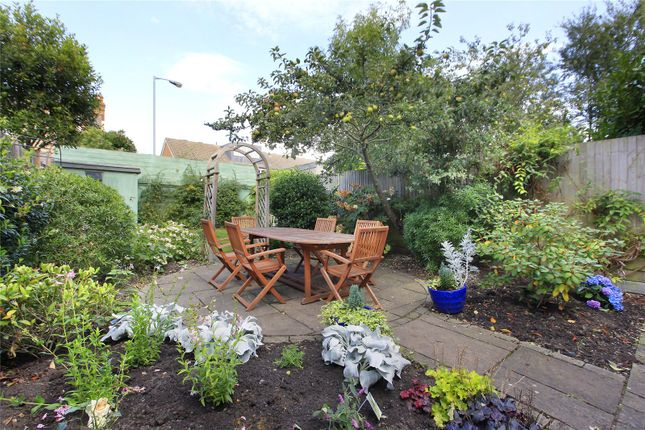 Thumbnail Flat to rent in Drakefield Road, Tooting, London