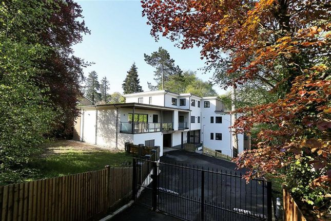 Thumbnail Flat for sale in Burnside Court, Tunbridge Wells, Kent