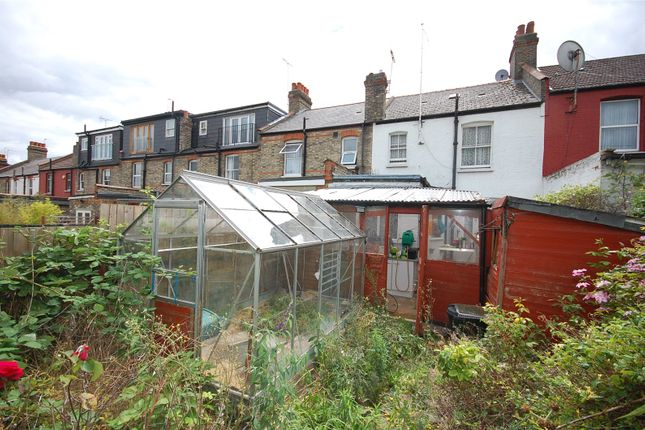 Picture No. 07 of Squires Lane, London N3