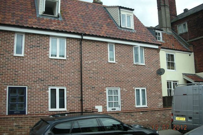 Thumbnail Semi-detached house to rent in Deneside, Great Yarmouth
