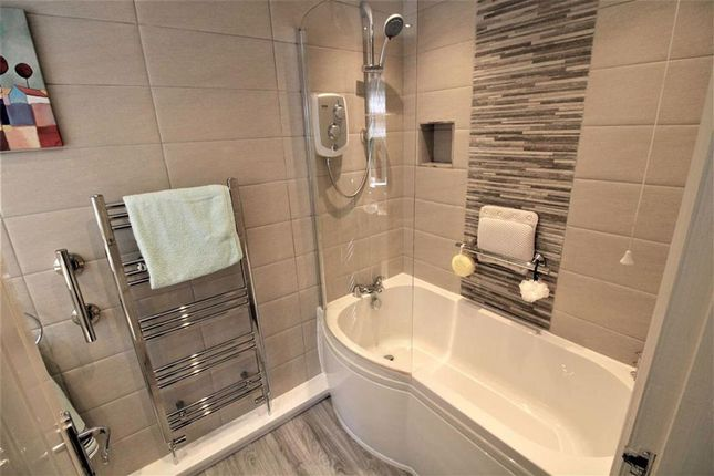 En Suite of Myrtle Bank, Prestwich, Manchester M25