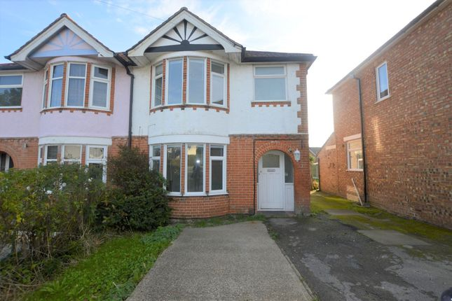 3 bed property to rent in Ipswich Road, Colchester CO4