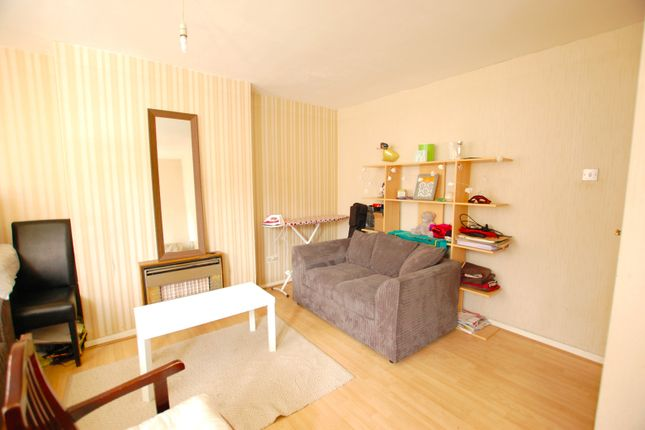 Thumbnail Flat to rent in St. Georges Close, Sheffield, South Yorkshire