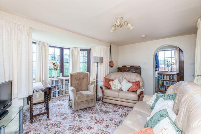 Lounge: of Marston Common, Marston Montgomery, Ashbourne DE6