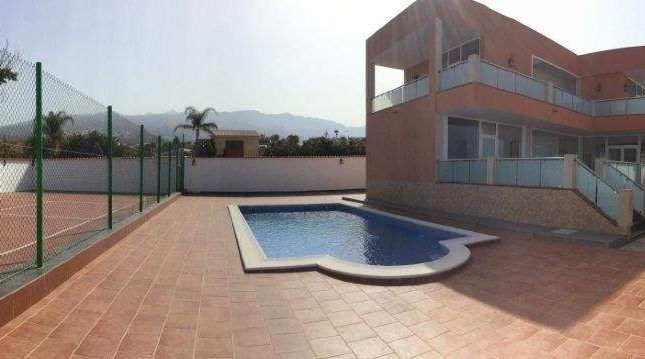 4 bed chalet for sale in Playa Paraiso