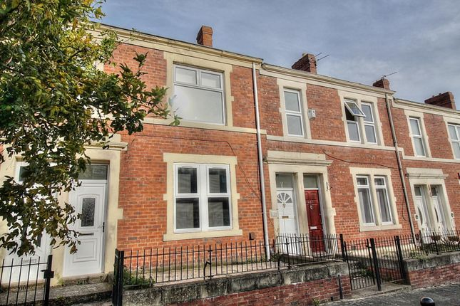 Thumbnail Flat to rent in Eastbourne Avenue, Gateshead