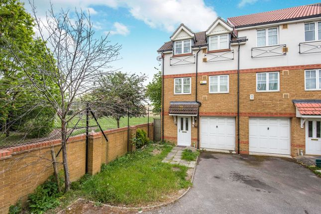 Thumbnail Town house for sale in Marryat Close, Hounslow