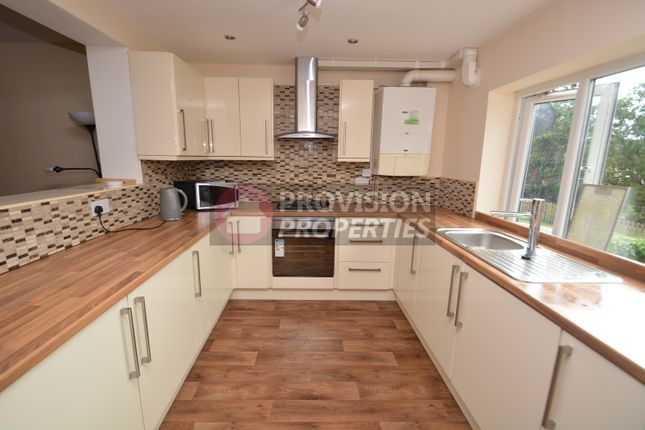 Thumbnail Semi-detached house to rent in Raven Road, Hyde Park, Leeds
