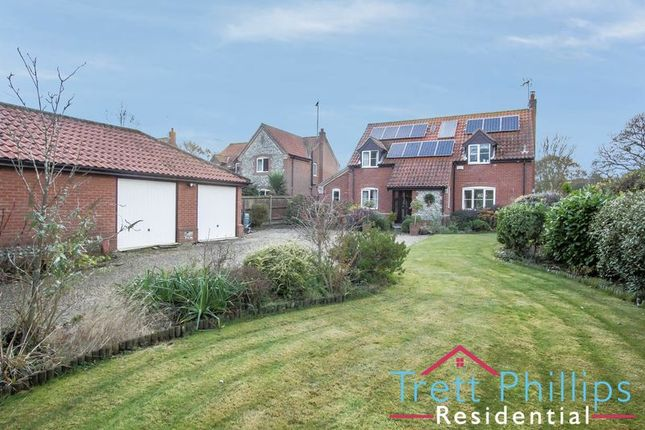4 bed detached house for sale in The Causeway, Hickling, Norwich
