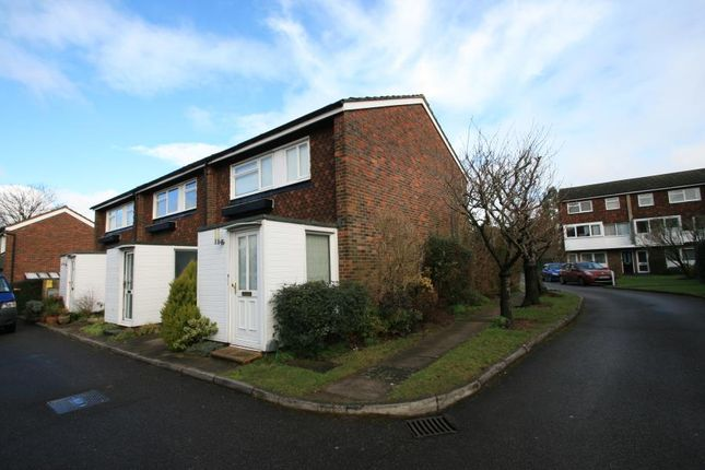 Thumbnail Terraced house for sale in Cross Lanes, Guildford