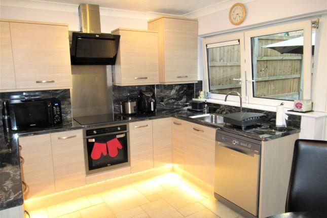 Thumbnail Town house to rent in Hungerdown, London