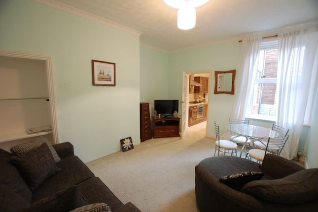 2 bed flat for sale in Salters Road, Gosforth, Newcastle Upon Tyne