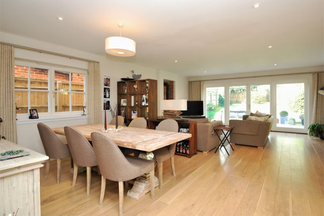 Detached house to rent in Manor Road, Henley-On-Thames