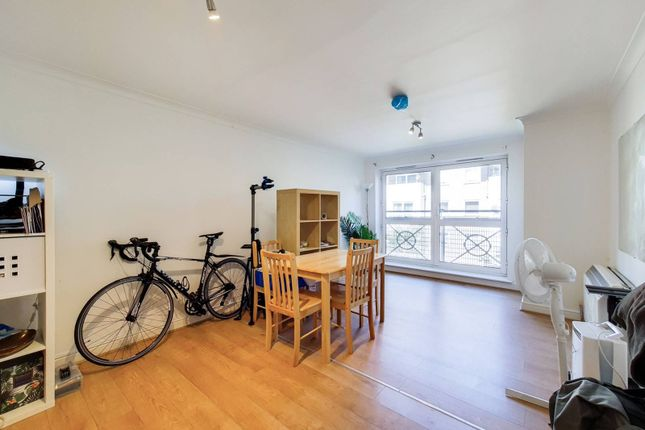 Thumbnail Flat for sale in Cline Road, Bounds Green, London