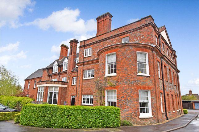 Thumbnail Flat for sale in Maplespeen Court, Newbury, Berkshire