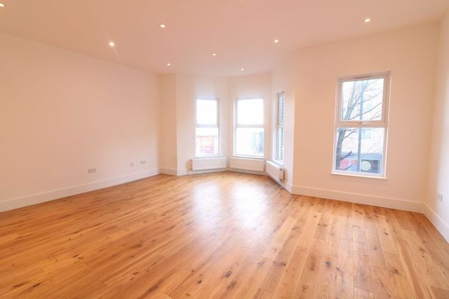 Flat for sale in Lordship Lane, London
