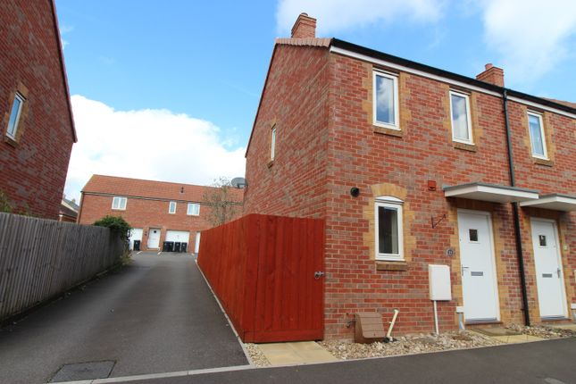 2 bed end terrace house to rent in Carpenters, Sherborne, Dorset DT9